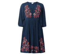 PLUS SIZE Kleid mit floralen Stickereien
