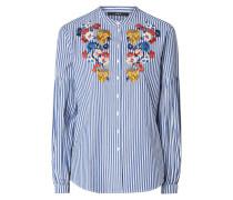 Bluse mit Streifenmuster und floralen Stickereien
