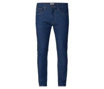 Rinsed Washed Modern Tapered Fit Jeans