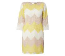 Kleid aus Häkelspitze mit Zickzack-Muster