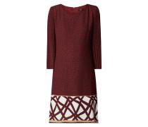 Kleid mit plissierten Dreiviertelärmeln