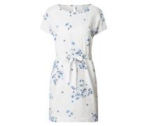 Kleid mit floraler Lochspitze