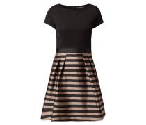 Kleid mit gestreiftem Rockteil