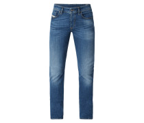 Slim Fit Jeans mit Knopfleiste
