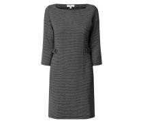 Kleid mit Zierriegeln
