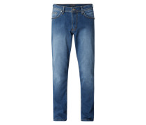 Jeans in gerader Passform mit Stretch-Anteil