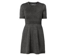 Kleid mit Lochdetails