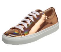 Sneaker in Metallicoptik