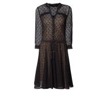 Kleid mit ornamentalem Lochmuster