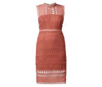 Kleid aus Häkelspitze