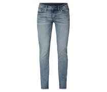 Straight Fit Jeans mit Logo-Aufnäher