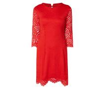 Kleid aus Lochspitze