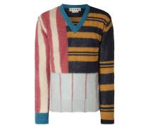 Pullover mit variierendem Streifenmuster