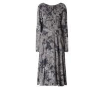 Kleid mit Seitenschlitz