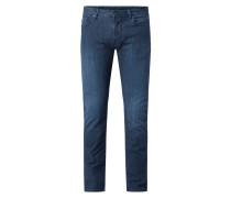 Jeans mit Stretch-Anteil in schmaler Passform