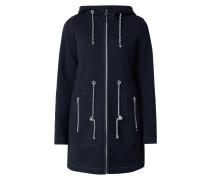 Mantel aus strukturiertem Material