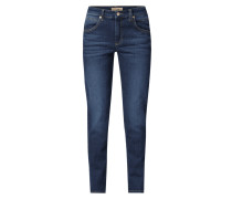 Slim Fit Jeans mit Label-Patch am Bund