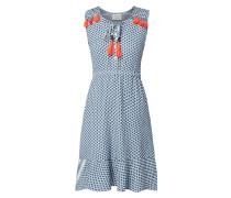 Kleid mit Kufiya-Muster und Zierquasten