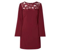Kleid aus Krepp mit Häkelspitze