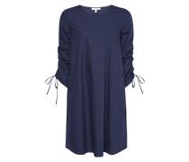 Kleid mit regulierbaren Raffungen