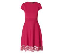 Kleid mit Saum aus Häkelspitze