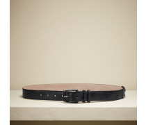 Gürtel aus Krakelee-Leder mit schimmernden Nieten