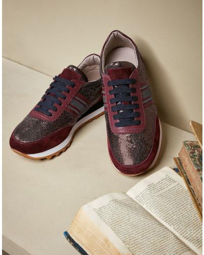 Sneakers aus glasiertem Leder und Veloursleder