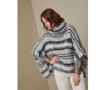 Pullover im Poncho-Stil in Folklore-Streifen