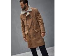 Zweireihig geschlossener Mantel aus Shearling