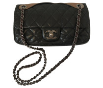Second Hand  Flap Bag aus Leder in Schwarz