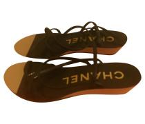 Second Hand  Sandalen aus Leder in Schwarz