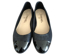 Second Hand Slipper/Ballerinas aus Leder in Schwarz