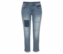 Boyfriend-Jeans mit Destroyed Effekten und Patches