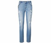 Boyfriend-Jeans mit Perlen und Schmuckelementen