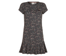 Dress 'Mountain of superfluous needs'