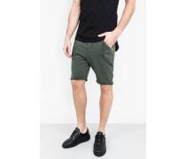 Shorts Vine grün