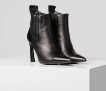 Veneto Ankle Boots