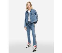 Jeans mit Logotape