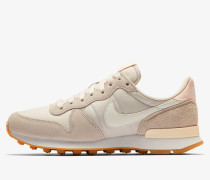 Nike Wmns Internationalist - Desert Sand / Summit White - Gum Light Brown