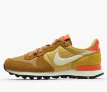 Nike Wmns Internationalist - Muted Bronze / Summit White - Wheat Gold
