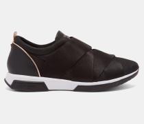 Sneakers mit Elastikriemen