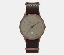 Uhr mit Lederarmband und Stickdetail