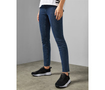 Skinny Jeans mit Gefranstem Saum