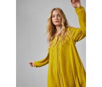 Langärmliges Kleid mit Falten