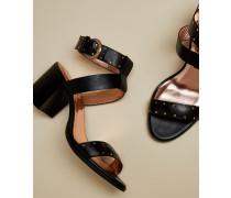 Sandalen aus Leder mit Blockabsatz und Nieten