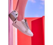 Sneakers mit Fliegen-Stickerei