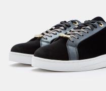 Sneakers mit Glitzer-Effekt