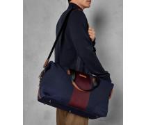 Gestrickte Reisetasche