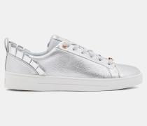 Sneakers mit Rüschendetails