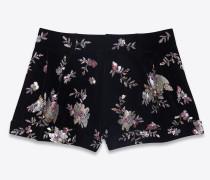 shorts aus schwarzem samt mit stickerei und perlenbesatz
